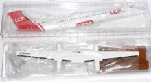 Dash-8-Q400 LC Peru Risesoon Skymarks Solid Resin Collectors Model 1:100 EJ